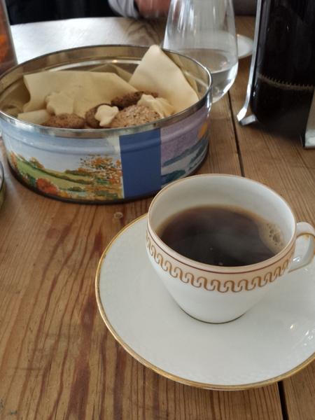 Stempelkaffe med hjemmebag